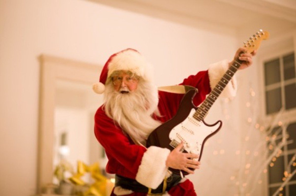 Santa Claus gettin down on the guitar