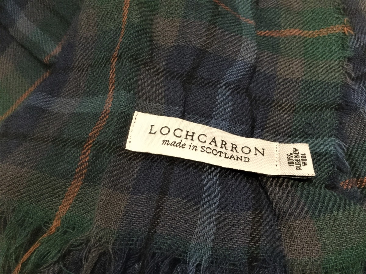 My Davidson Clan tartan scarf is super-light in weight and incredibly warm. It's made from 100% wool