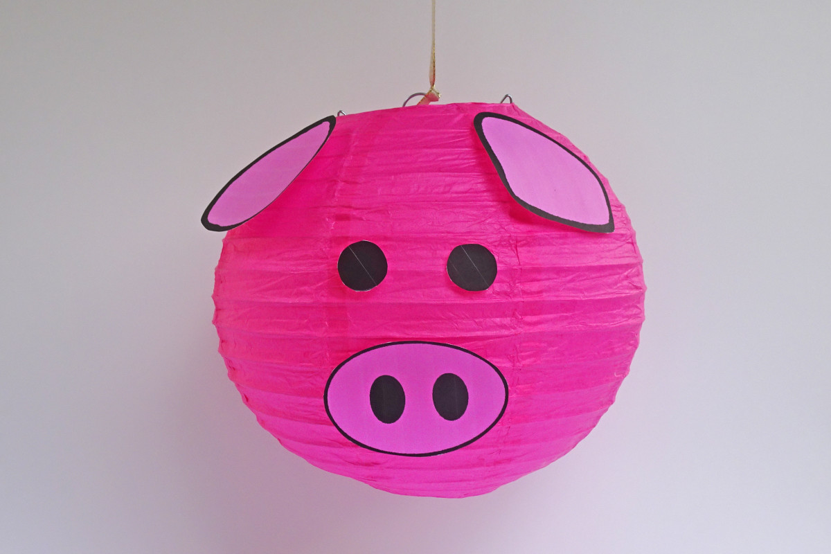Sample pig lantern with pink ears and nose