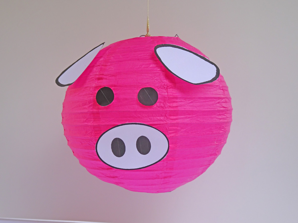 Sample pig lantern with white ears and nose