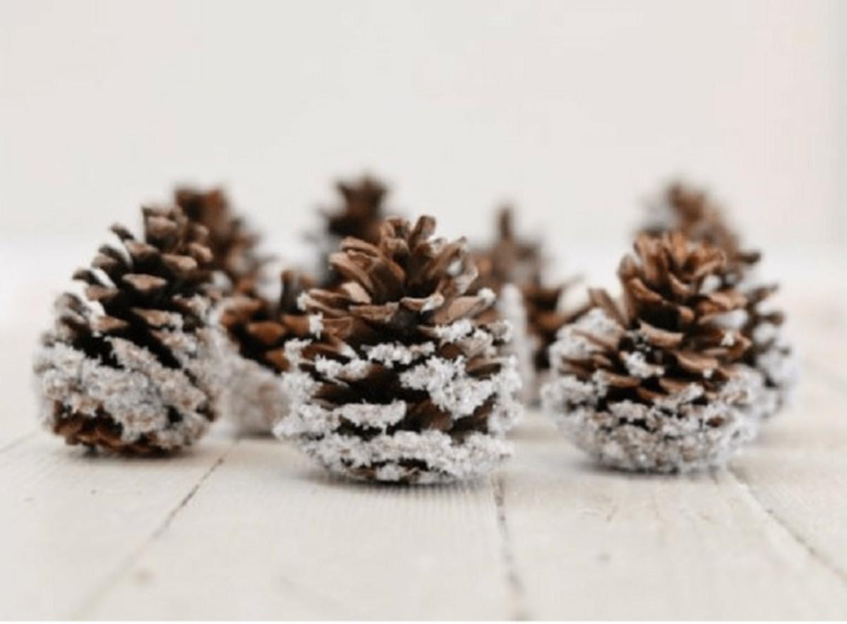 Snowy pinecones are a simple, pretty ornament.
