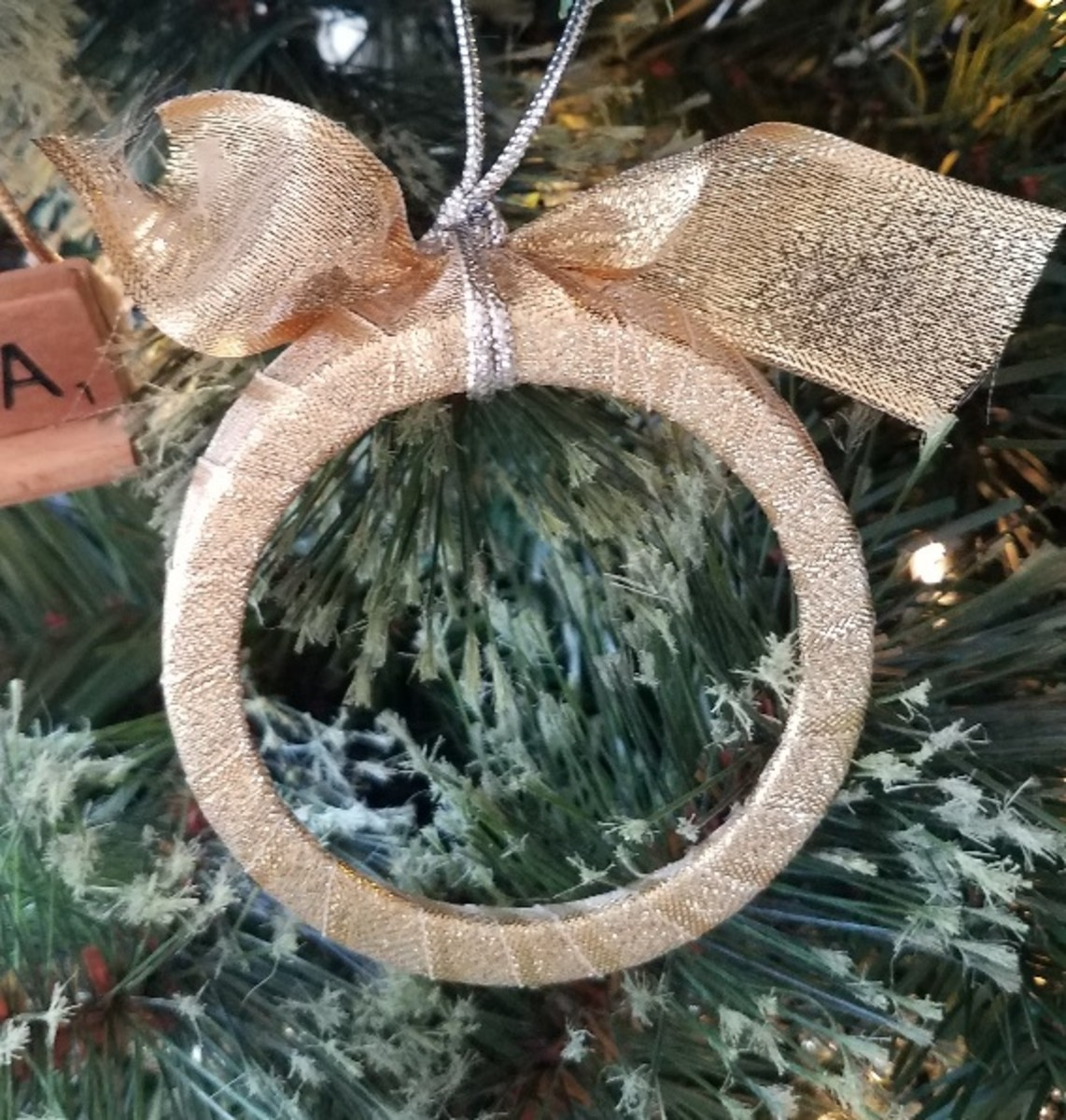 You'd never know this ornament was previously a mason jar ring.