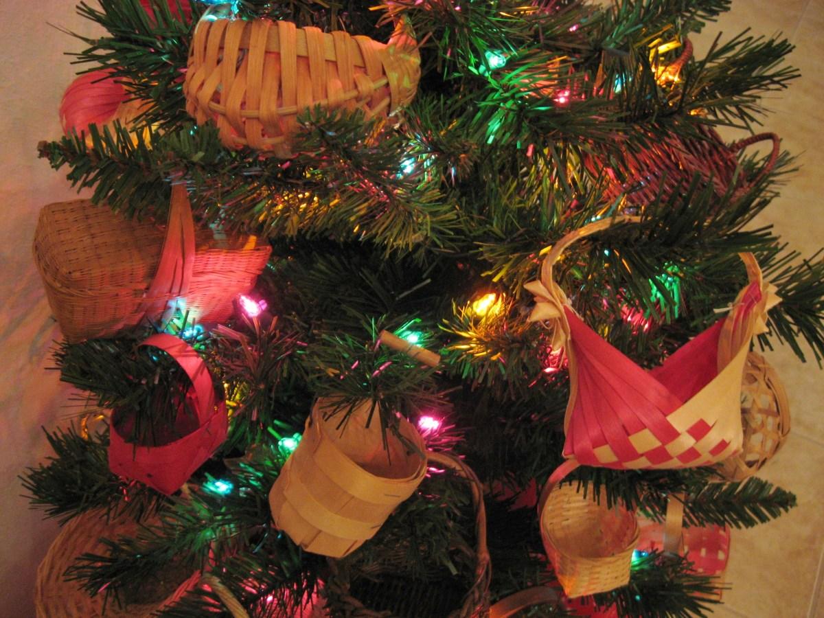 Christmas Tree Theme Miniature Baskets Holidappy Celebrations