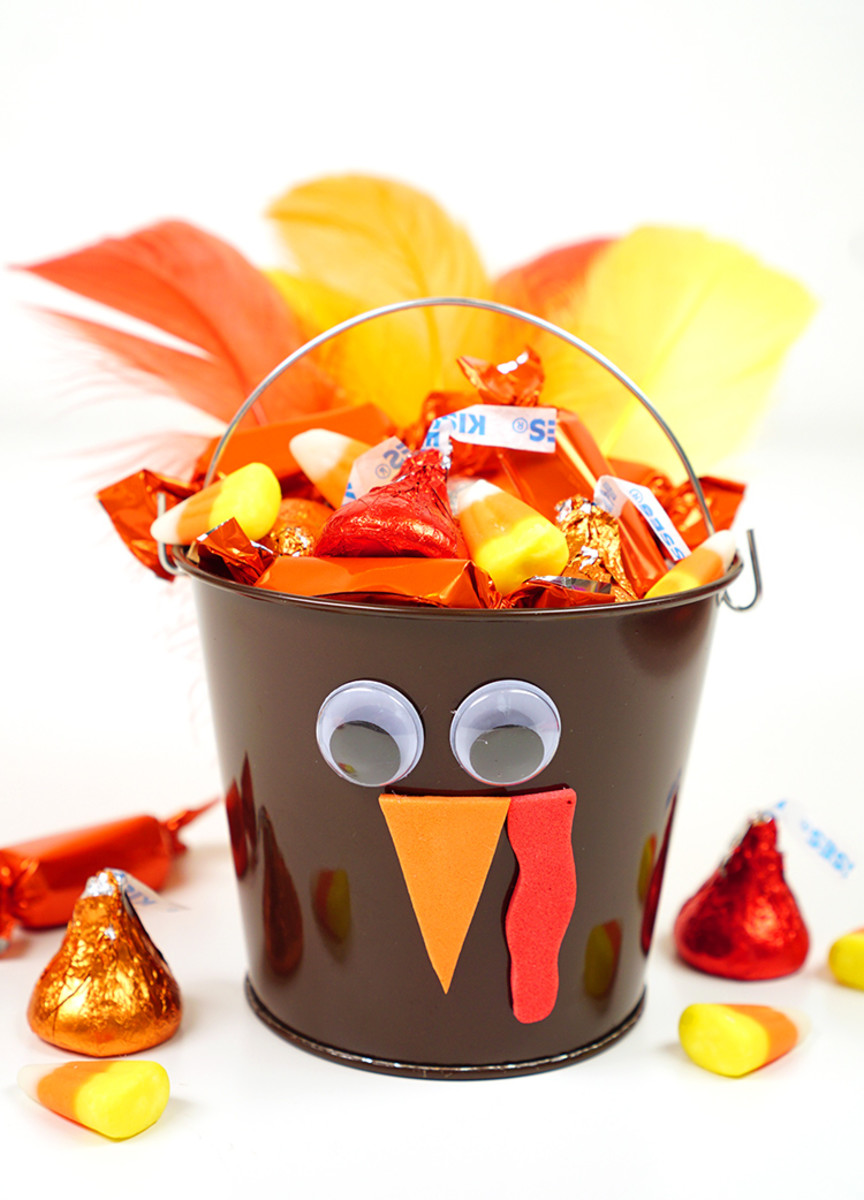 These turkey treat buckets bring an element of Halloween to the Thanksgiving dinner table.
