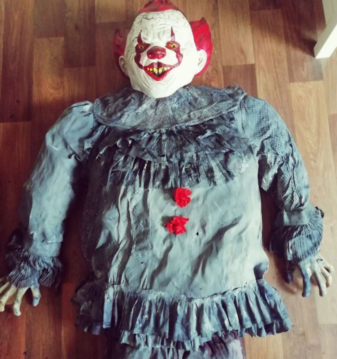 This is the top of my Pennywise the Clown  Halloween decoration.