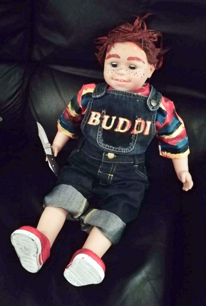 This is my completed Chucky doll decoration.