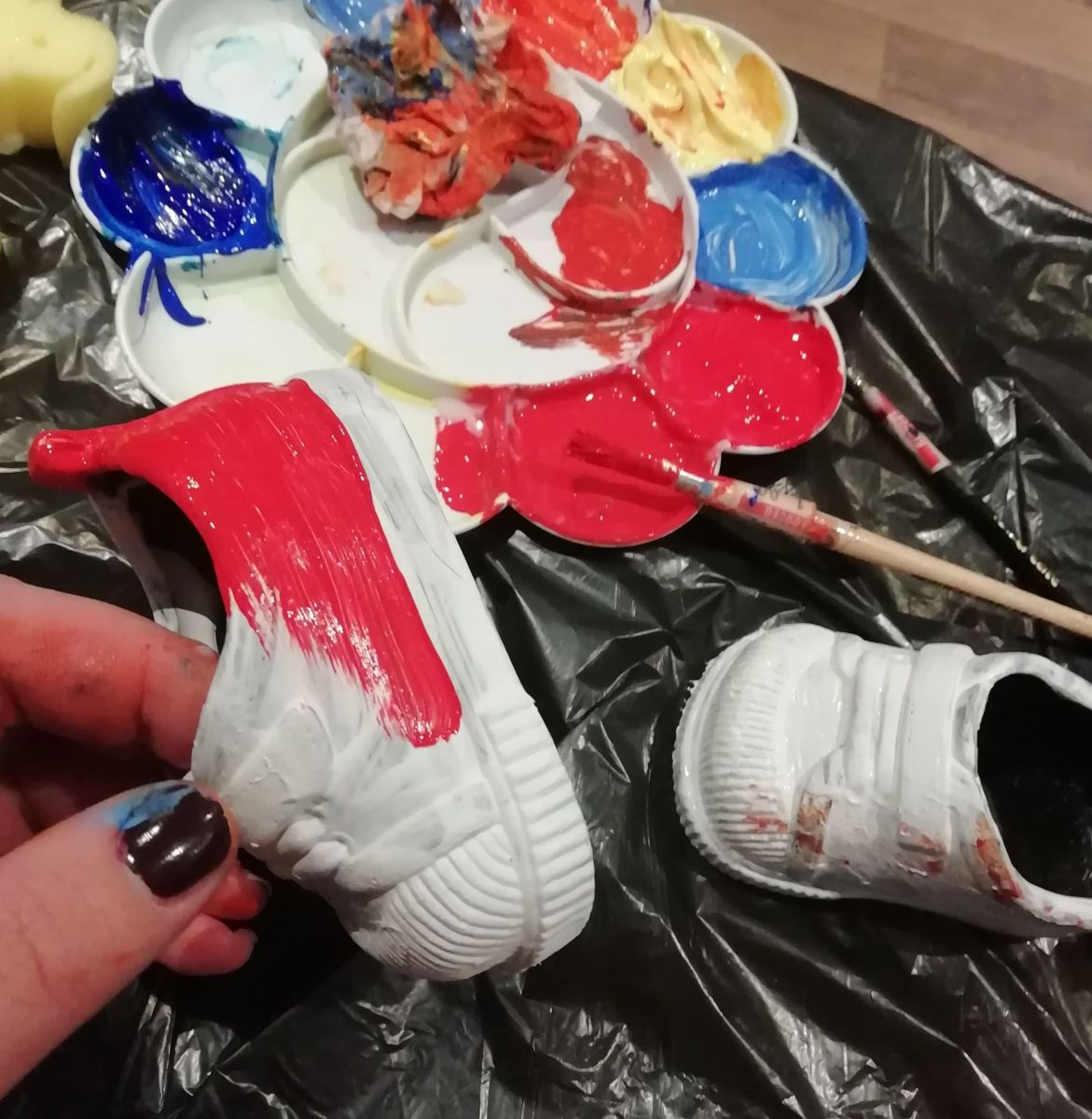 Paint the shoes