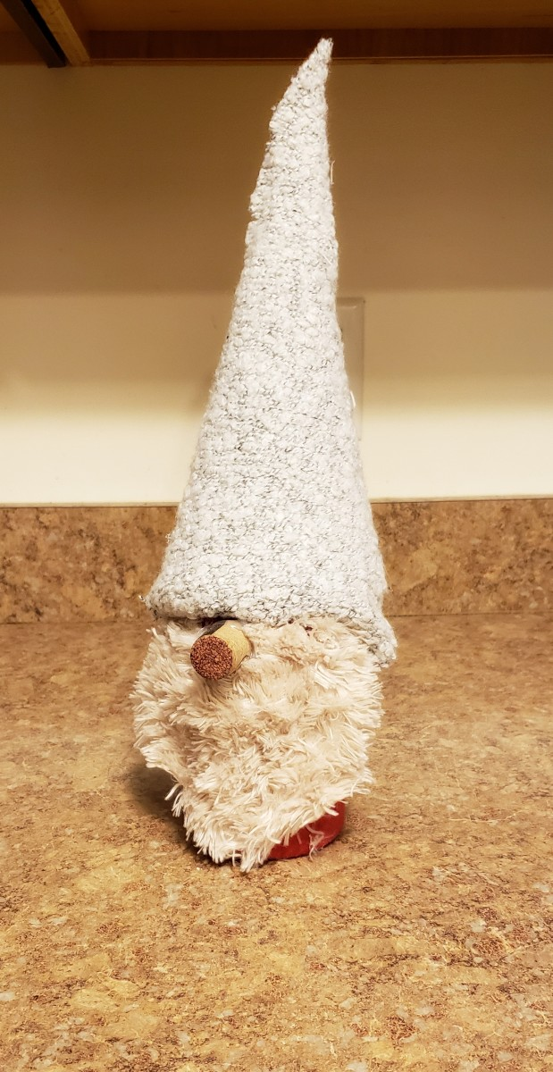 Place your hat on your gnome.