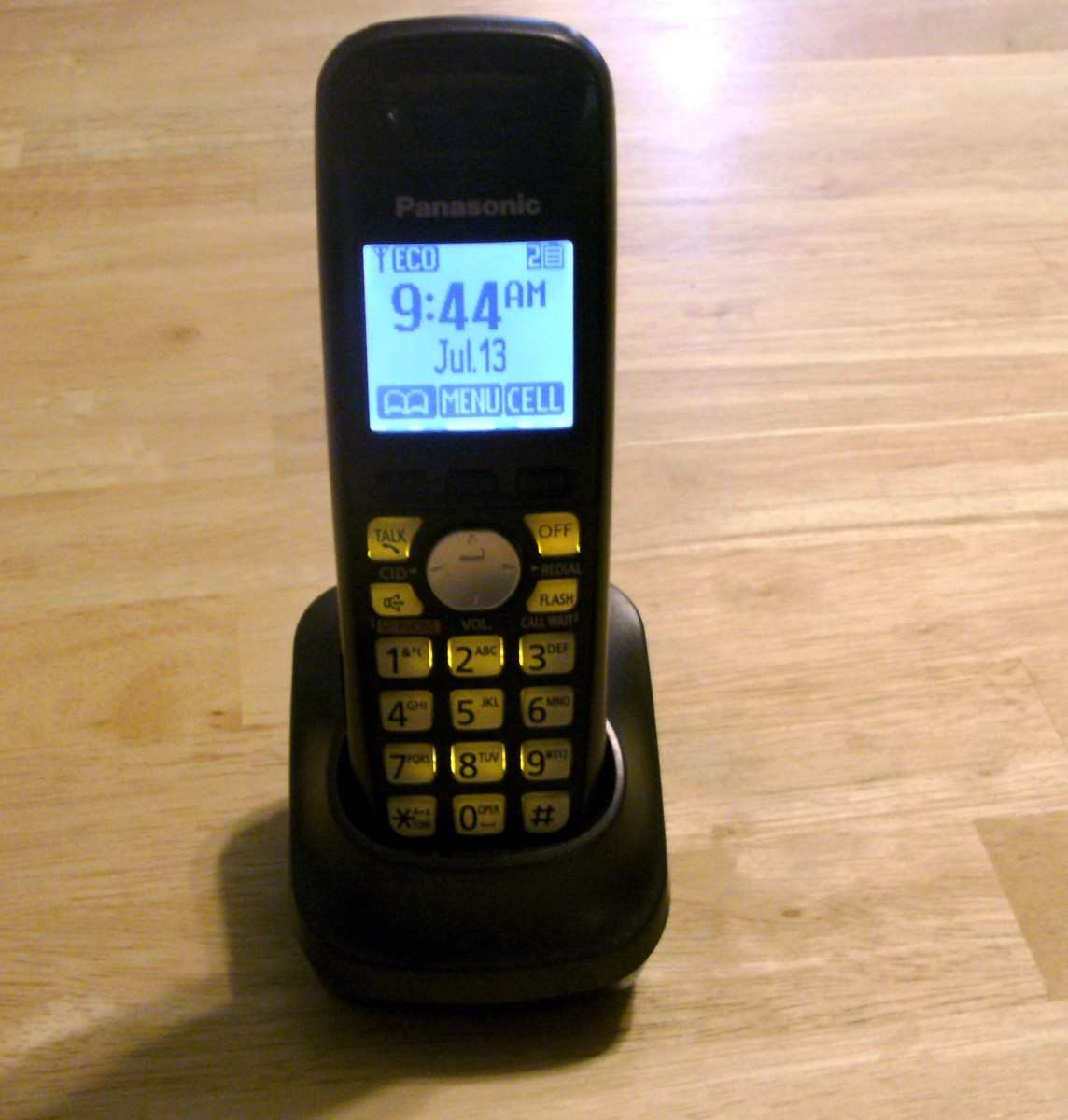 Handset and charging unit.