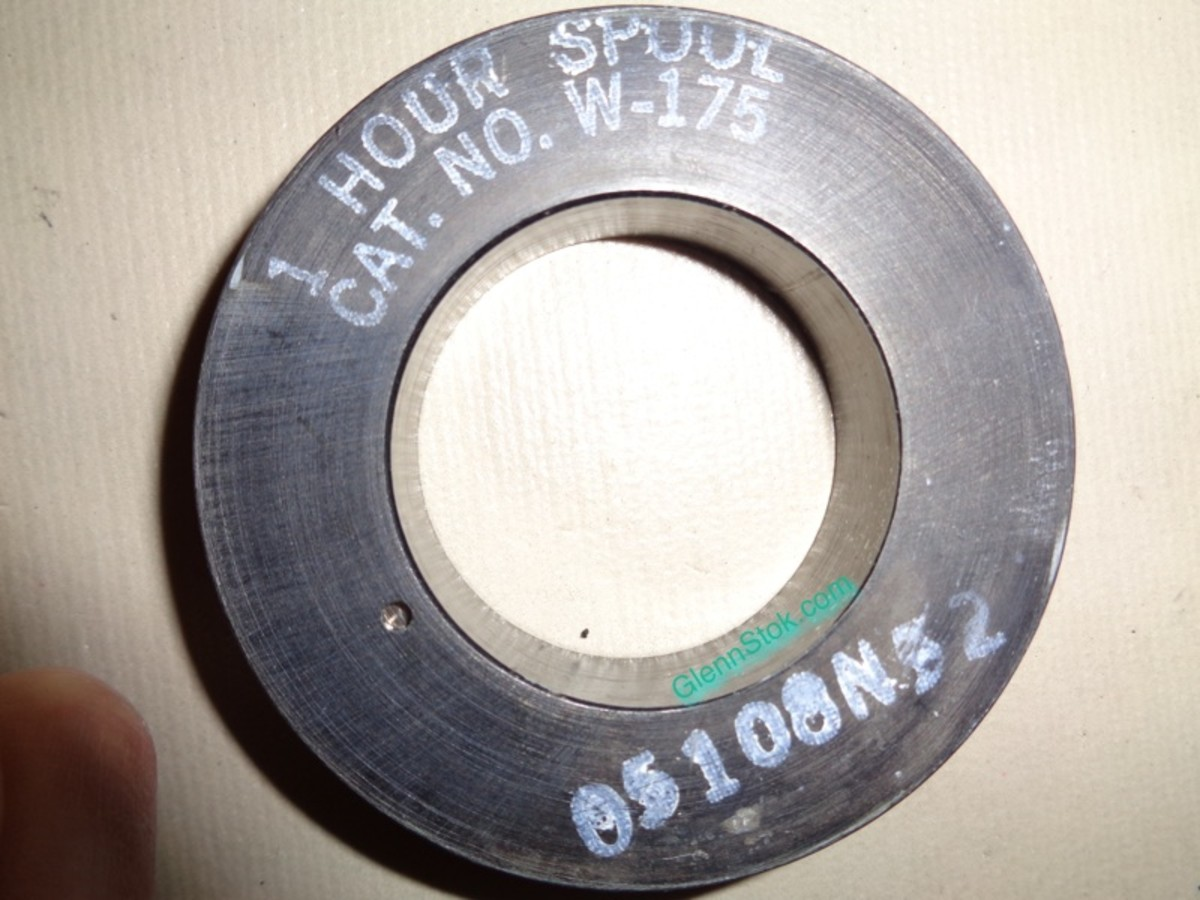 Bottom of Webster Wire Recording Spool showing 1 Hour recoding time.