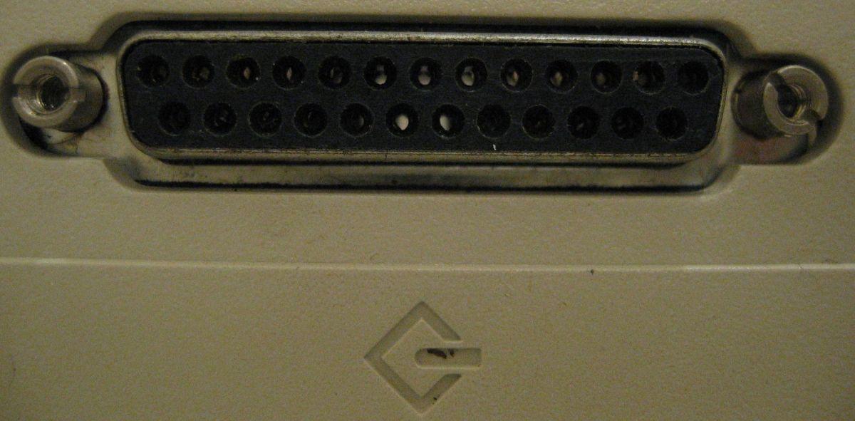 Mac LC SCSI Port