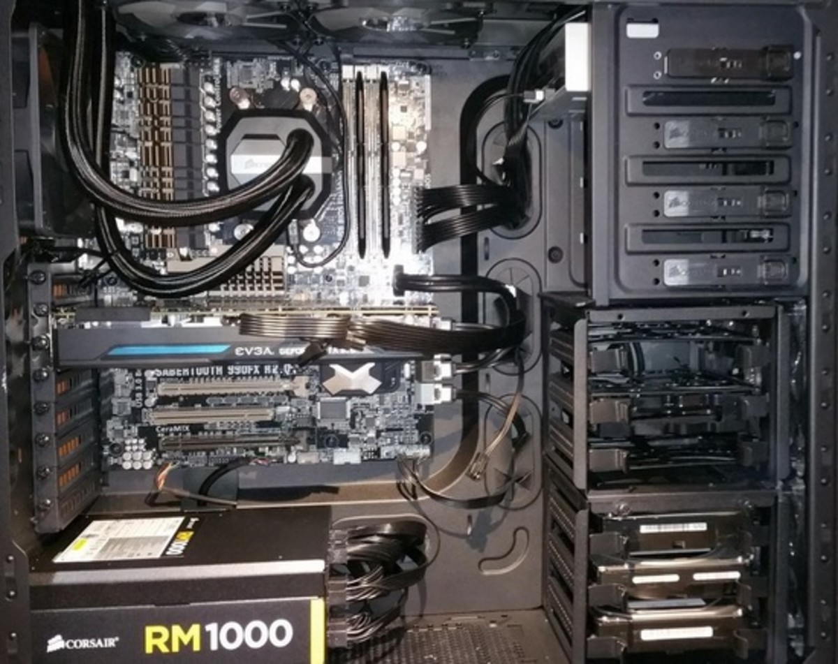 Here's a look at the Asus Sabertooth 990FX along with the AMD FX9590.