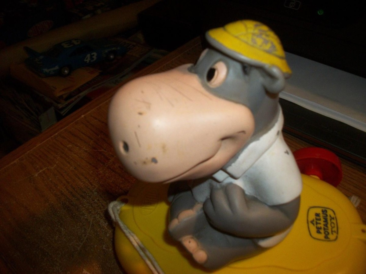 Peter Potamus toy released by Ideal Toys.