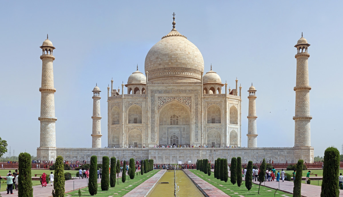Of course, it couldn't be set in India without a glimpse of the Taj Mahal.