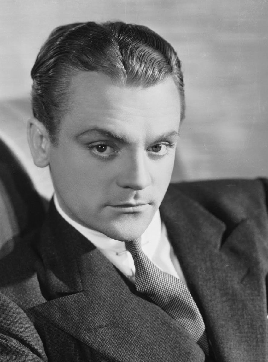 Cagney, usually associated with villainous roles and gangster movies, feels hopelessly miscast as the hero gunslinger - possibly why he made so few westerns