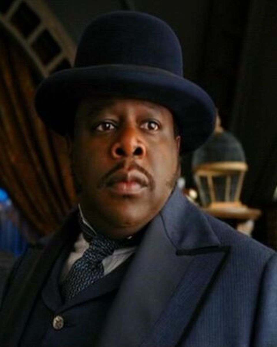 Cedric the Entertainer as Constable.
