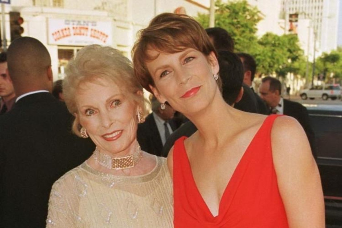 Janet Leigh with daughter Jamie Lee Curtis at the premiere of the film