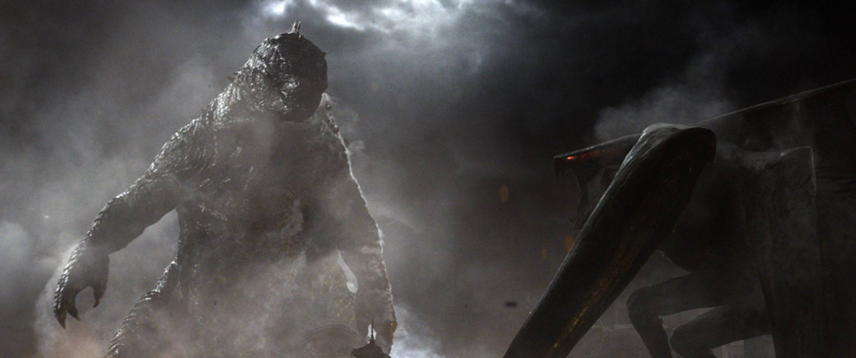 Legendary Goji fighting MUTO from Godzilla (2014)