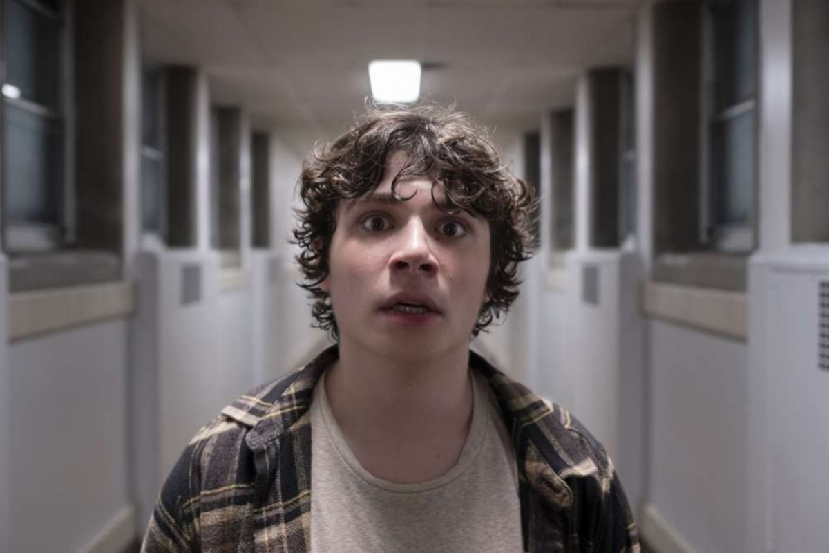 Austin Zajur as Chuck.