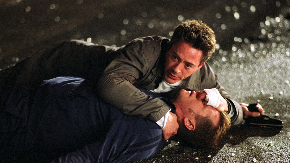 "Robert Downey Jr and Val Kilmer as Harry Lockhart and Gay Perry in, ""Kiss Kiss Bang Bang."""