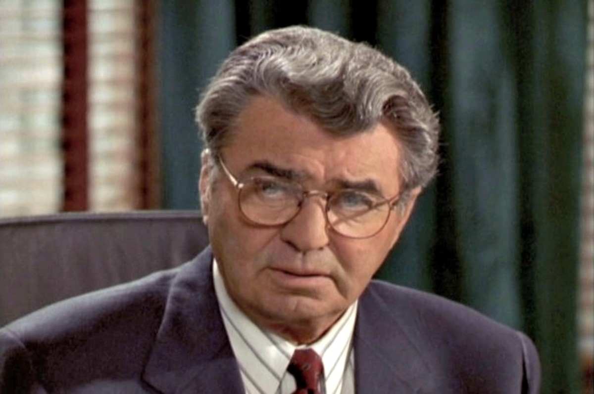 "as Judge Kenyon in the episode ""First Do No Harm"" (season 5)"