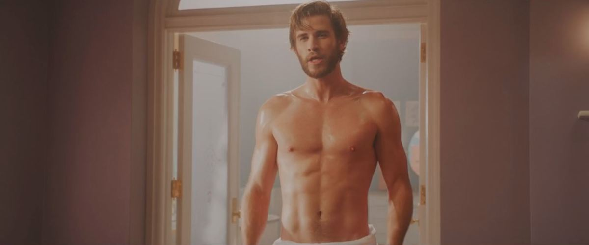 Rebel trying so hard to have a literal sex scene with Liam Hemsworth was legitimately hilarious.
