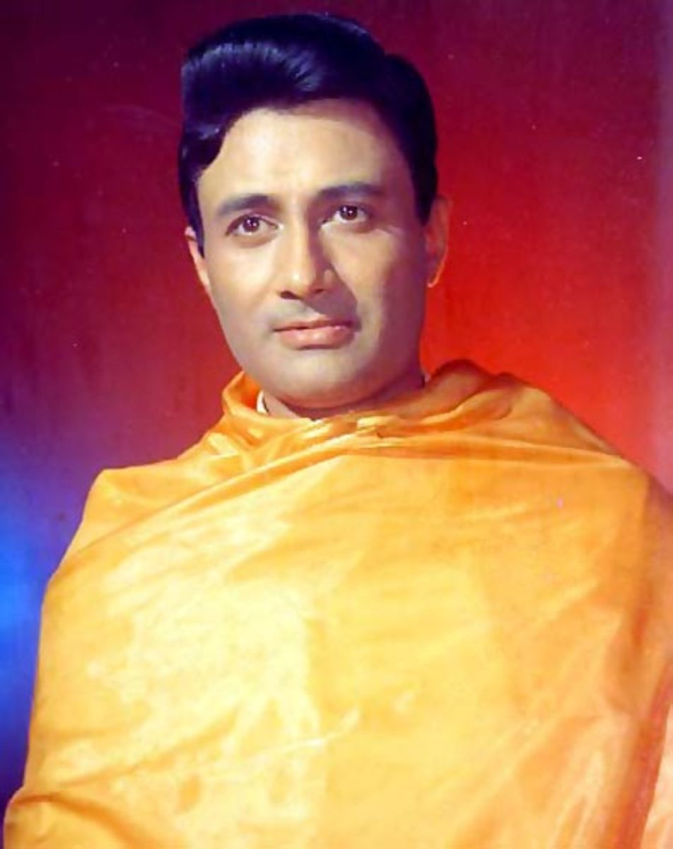 Dev Anand is mistaken as a spiritual saint by villagers.