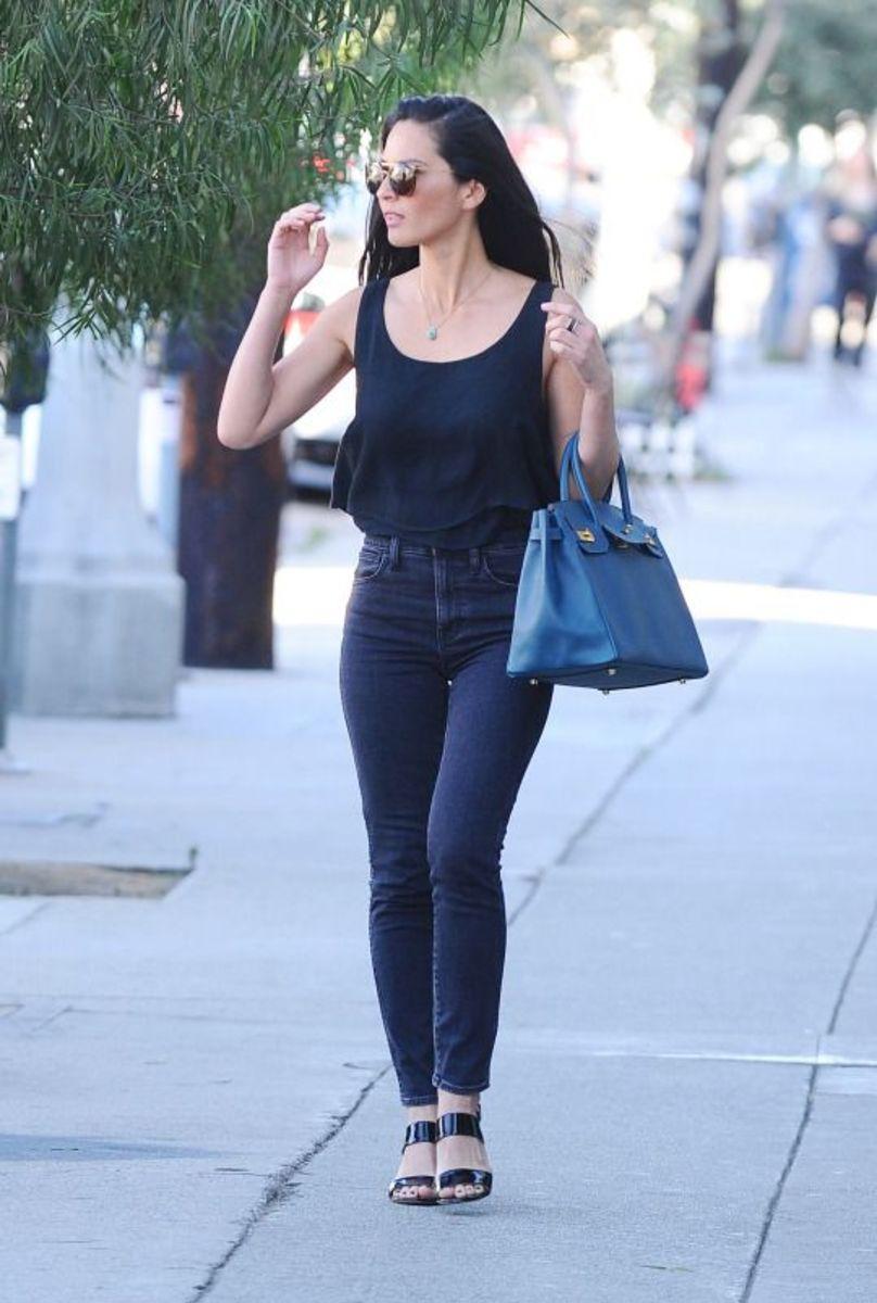 Olivia Munn in skinny jeans