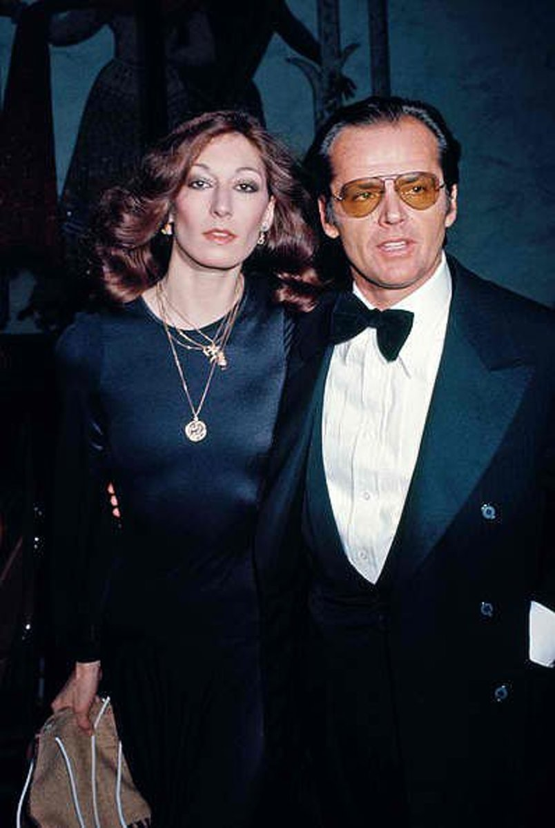 Jack Nicholson and Anjelica Huston were an on-screen off-screen couple for 17 long years.