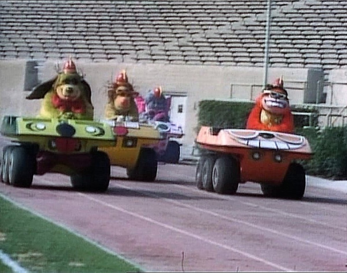 The Banana Splits driving in their Banana Buggies.