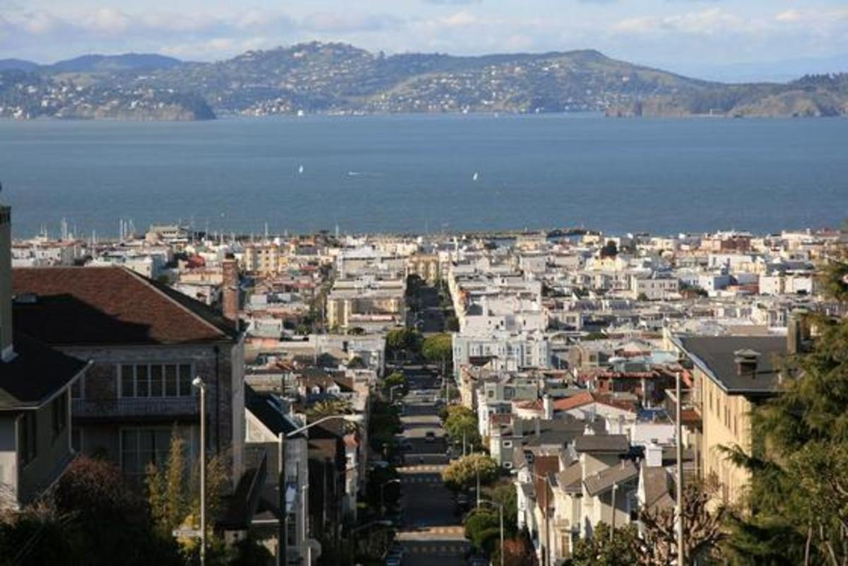 The view from the Pacific Heights neighborhood ; a view to a kill ?