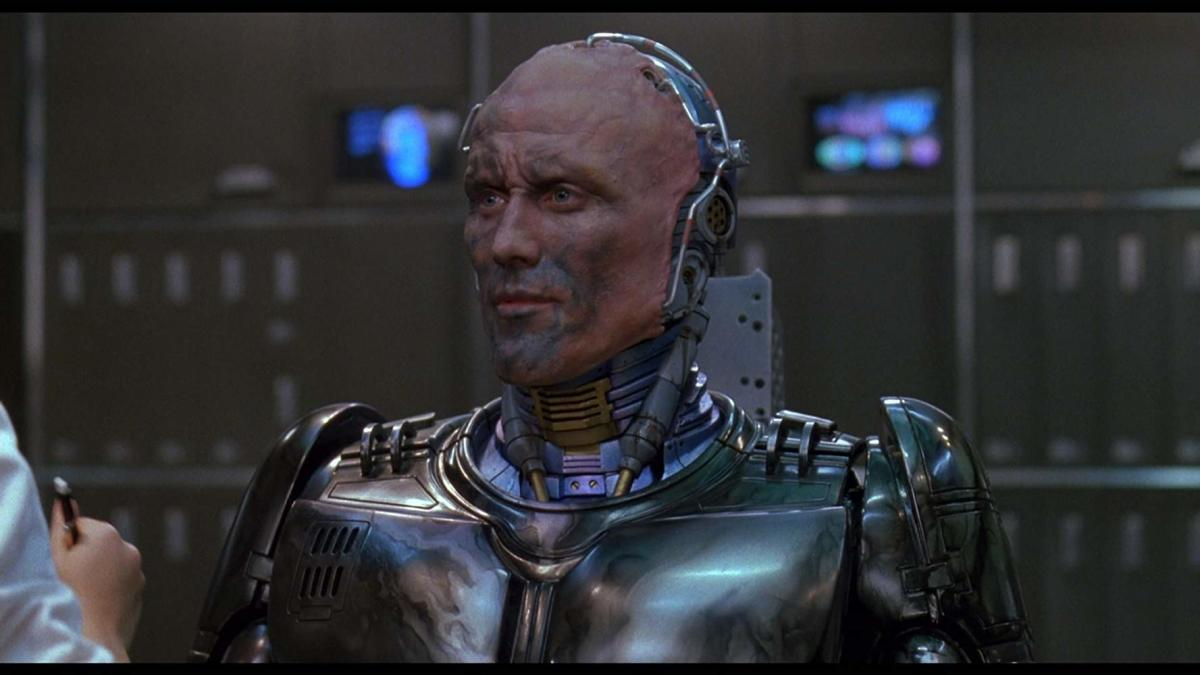 RoboCop 3 being RoboCop 3 and I don't care.