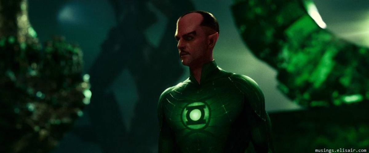 Strong's Sinestro is a far more polished performance than the one Reynolds gives as Hal Jordan.