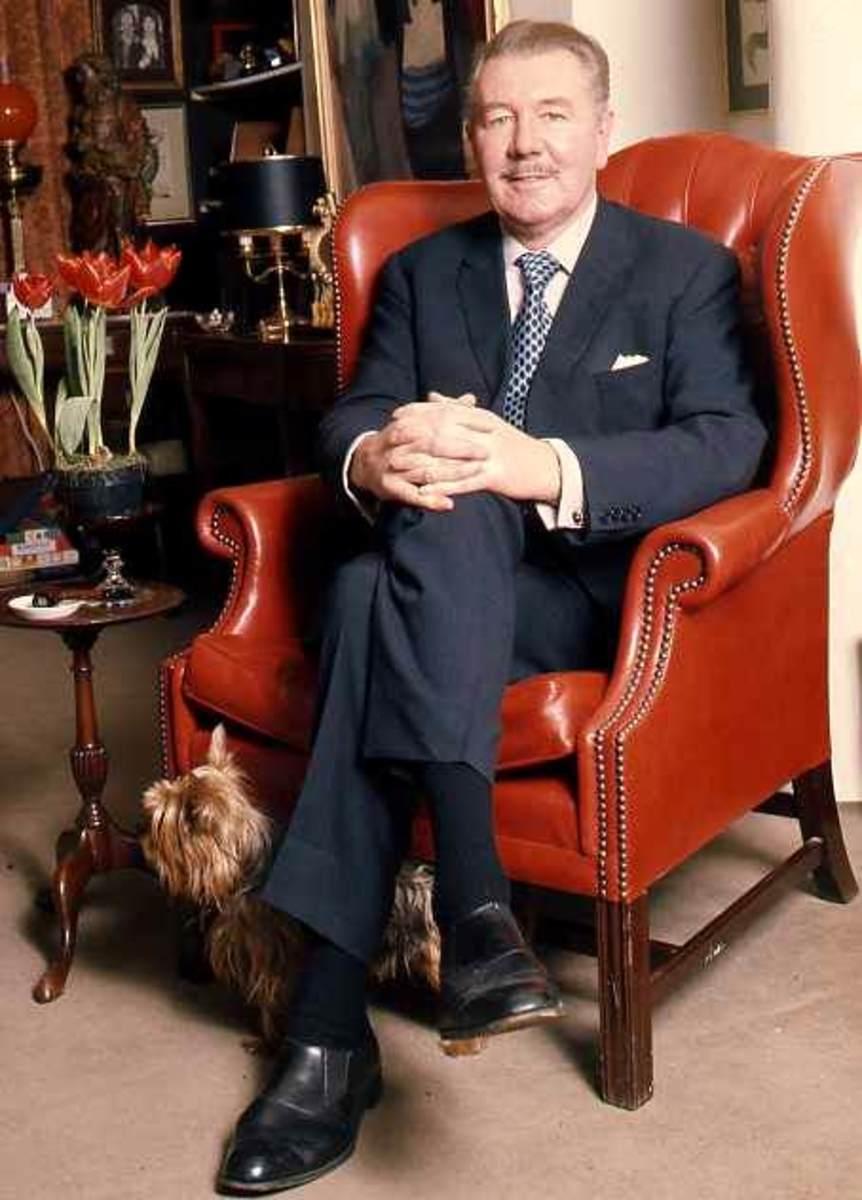 Sir Michael Redgrave in a portrait by Allan Warren