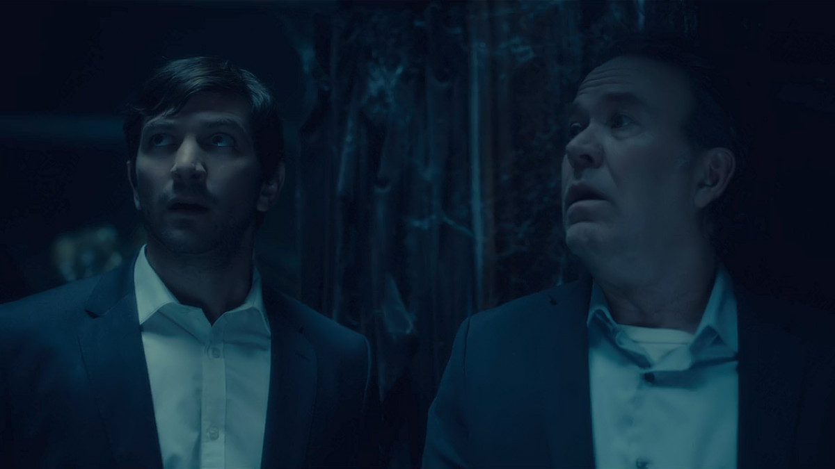 Michiel Huisman and Timothy Hutton in 'The Haunting of Hill House' (2018), a Netflix Original Series.