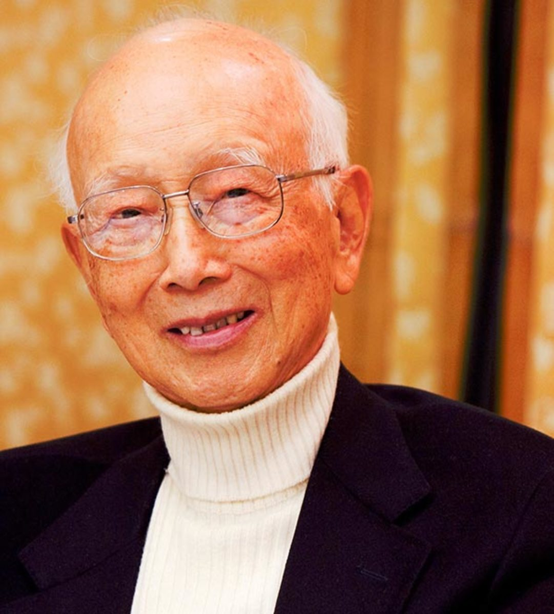 The late Raymond Chow who produced many Hong Kong films including 'Fist Of Fury' which helped establish Lee as a global icon.
