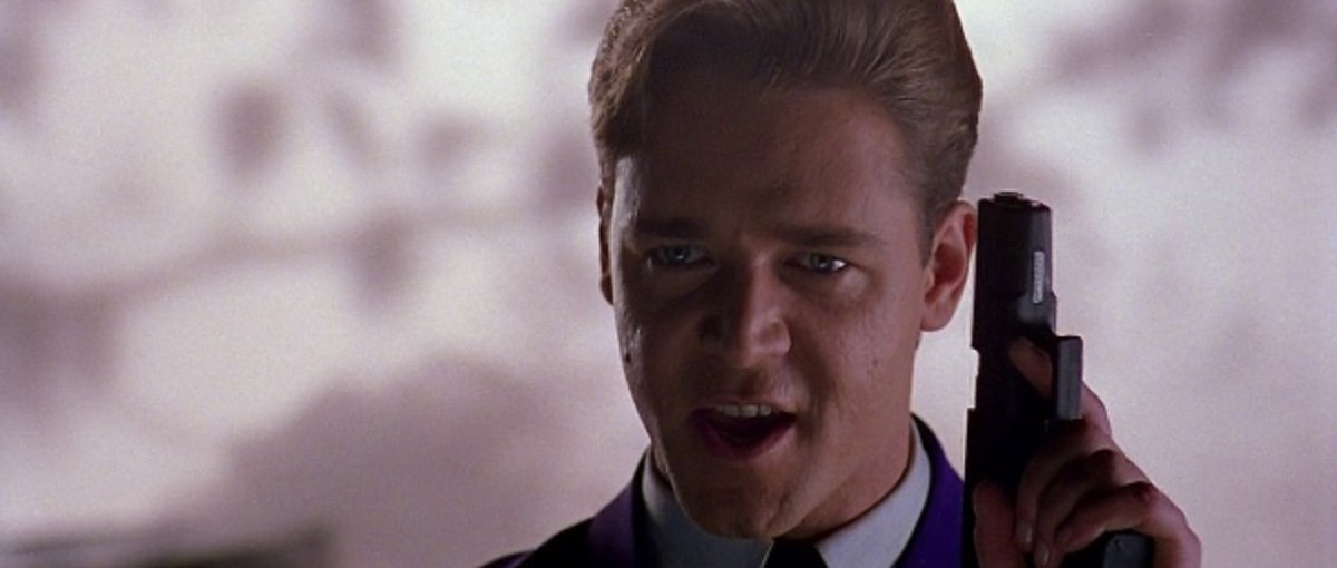 Crowe's psychotic supervillain is a memorable character - just add makeup to turn him into The Joker.