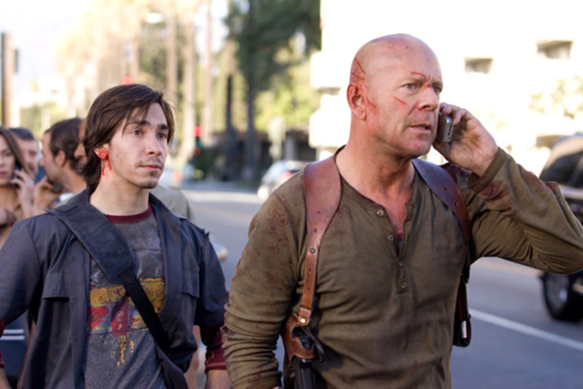"Justin Long (left) and Bruce Willis in ""Live Free Or Die Hard"""