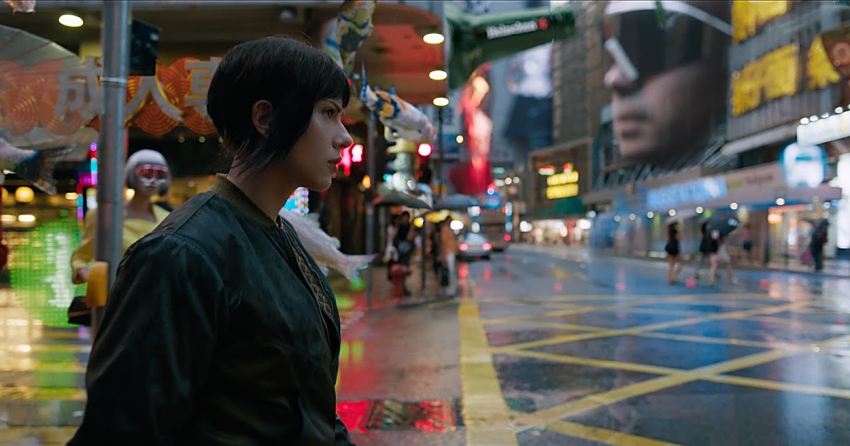 The film makes plenty of effort to make the future look amazing but it still feels like an imitation of 'Blade Runner' somehow.