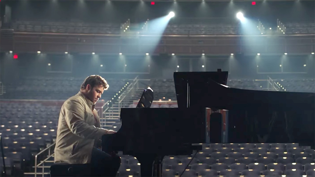 "Bart Millard 's first performance of ""I Can Only Imagine"" as portrayed in the movie."