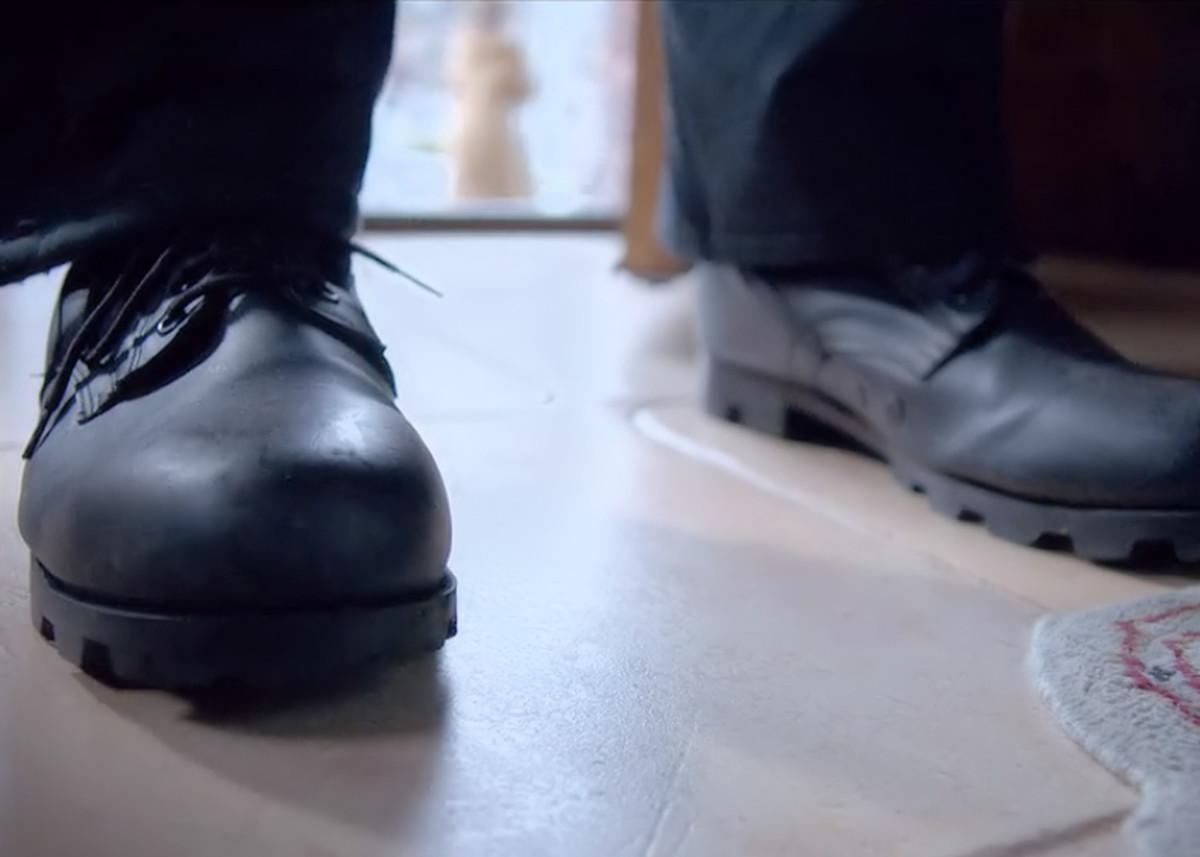 The killer enters the home.  'The Open House' (2018), a Netflix Original.