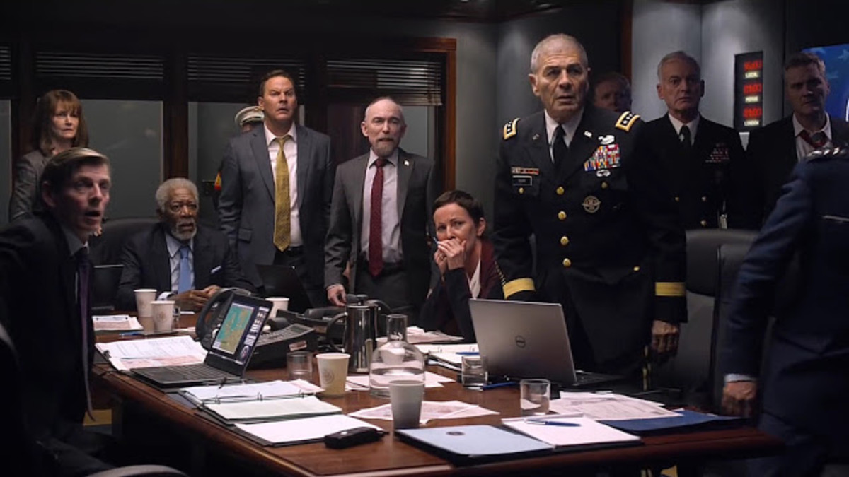 The film is stuffed full of cliche from the destruction of well-known landmarks to the worried top brass in the war room. It makes the film feel even more of a throwback.