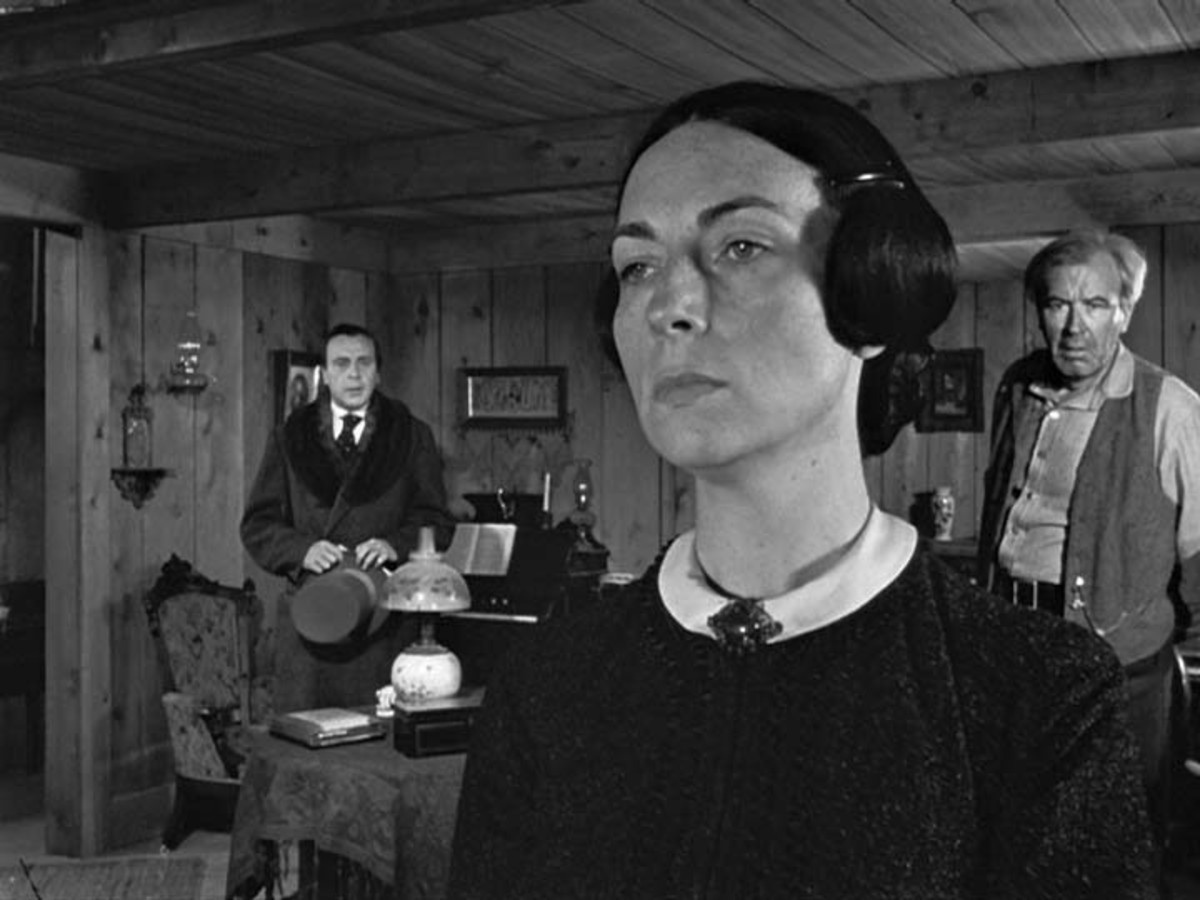 Agnes Moorehead's icy stare when she explains her determination to get rid of her young son, Charlie Kane, and send him away to the East.