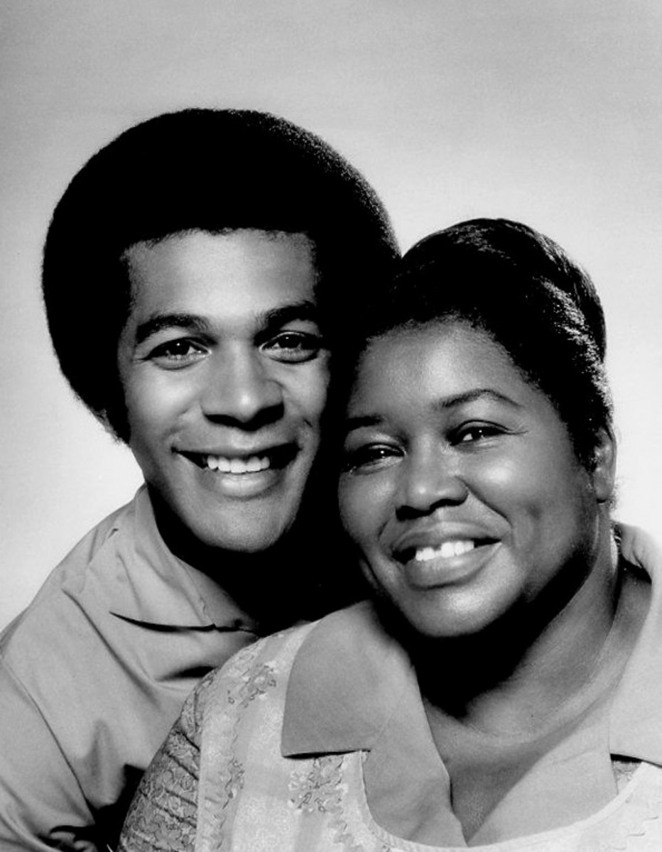 "Clifton Davis with his ""mama"" Theresa Merritt in the ABC series That's My Mama"
