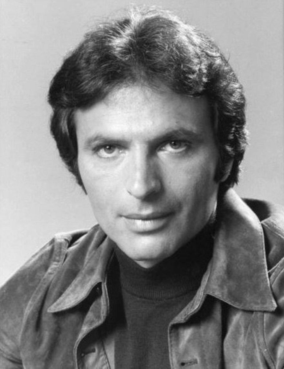 NBC publicity photo of Vincent for The Eddie Capra Mysteries