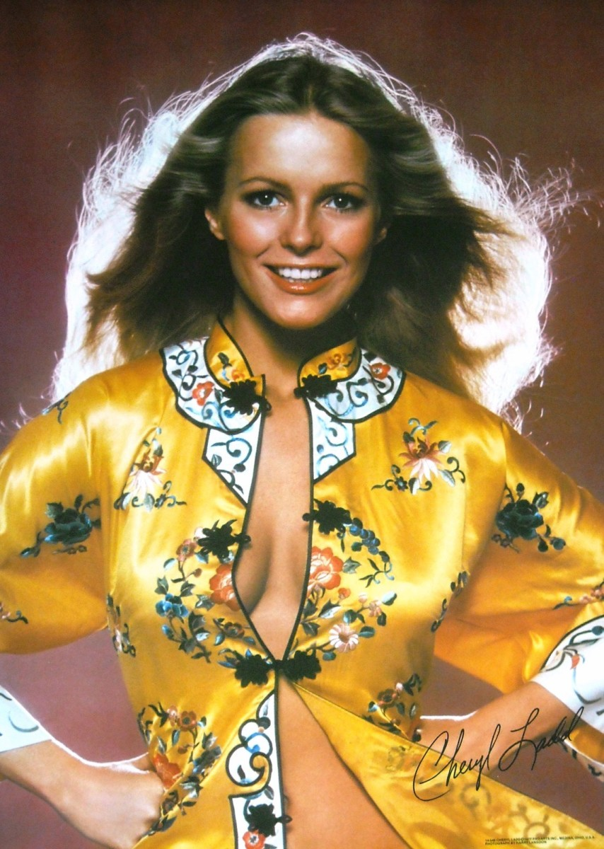 Cheryl Ladd's second release of this pose. The first showed the top of her red shorts.
