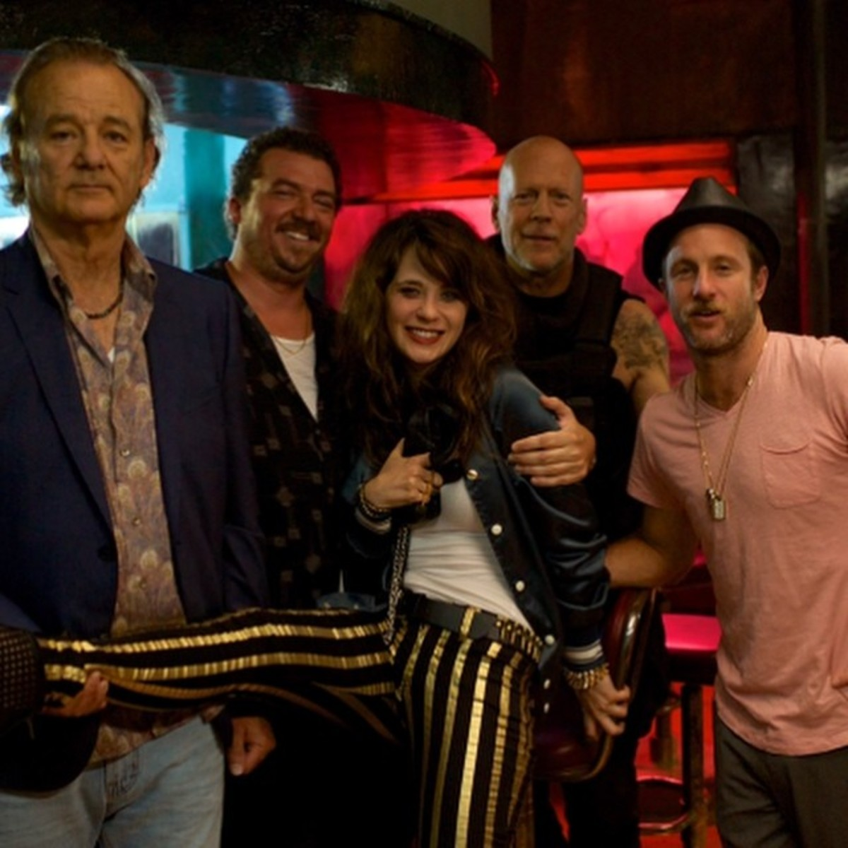 Zooey, Bill Murray, Bruce Willis and others on set