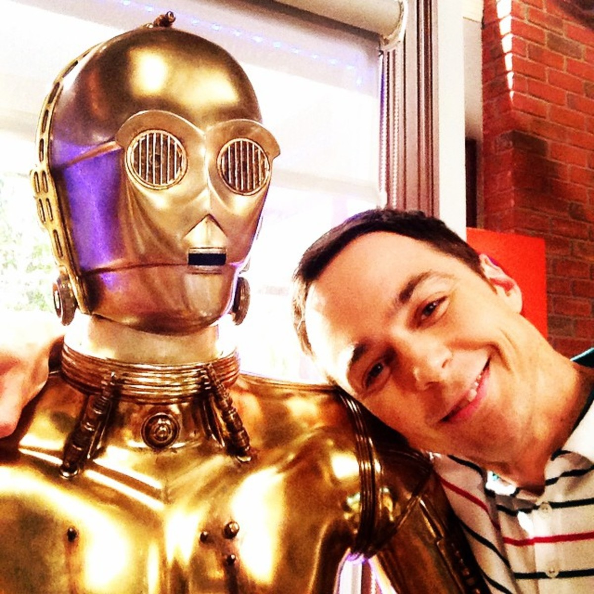 Jim Parsons with C3P0, Sheldon's hero