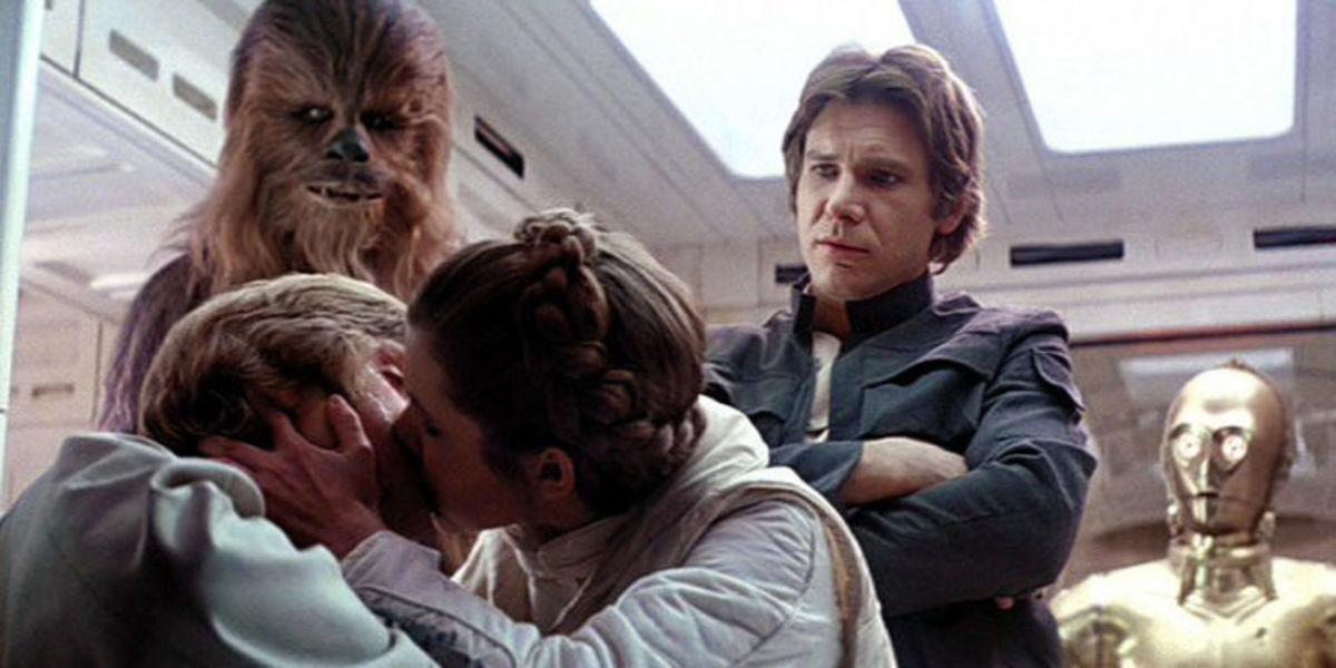 Luke and Leia's uncomfortable kiss