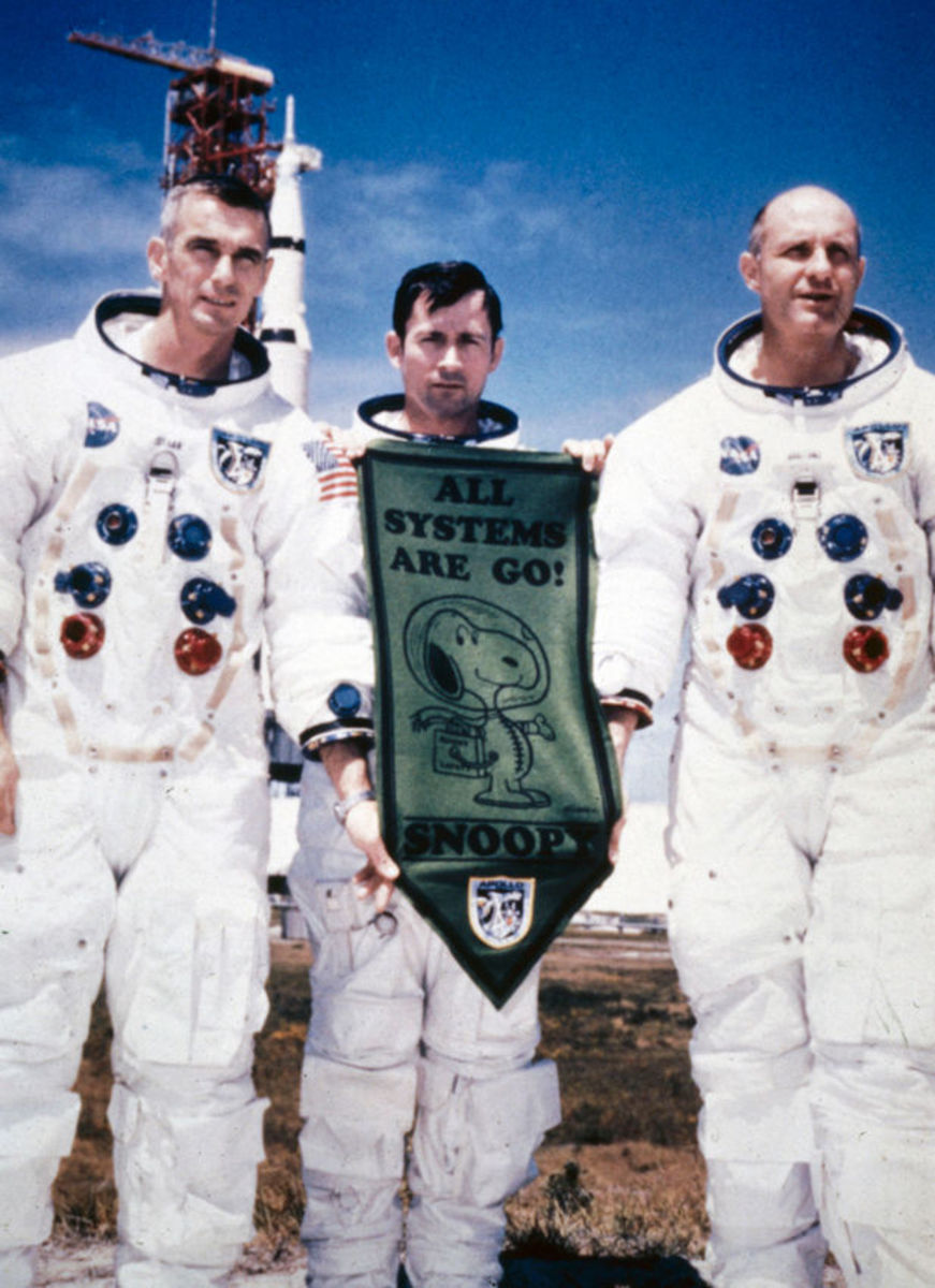 Snoopy painting and Apollo 10 astronauts